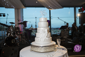 extavogant perth wedding cake